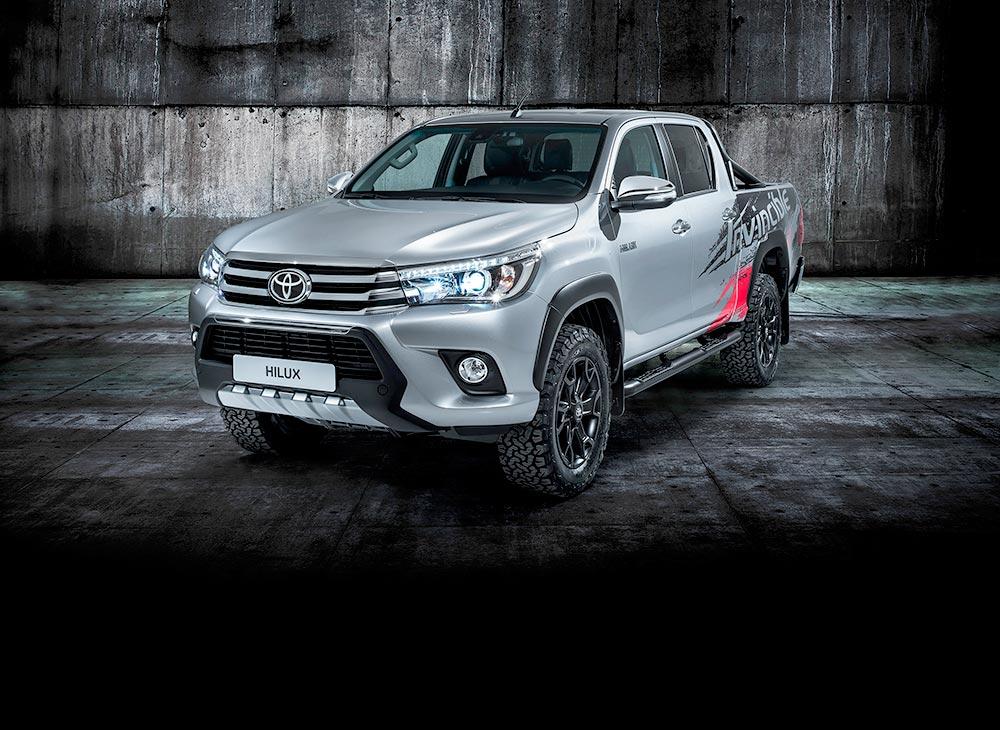 Invincible 50… Homenaje Toyota al Éxito Hilux