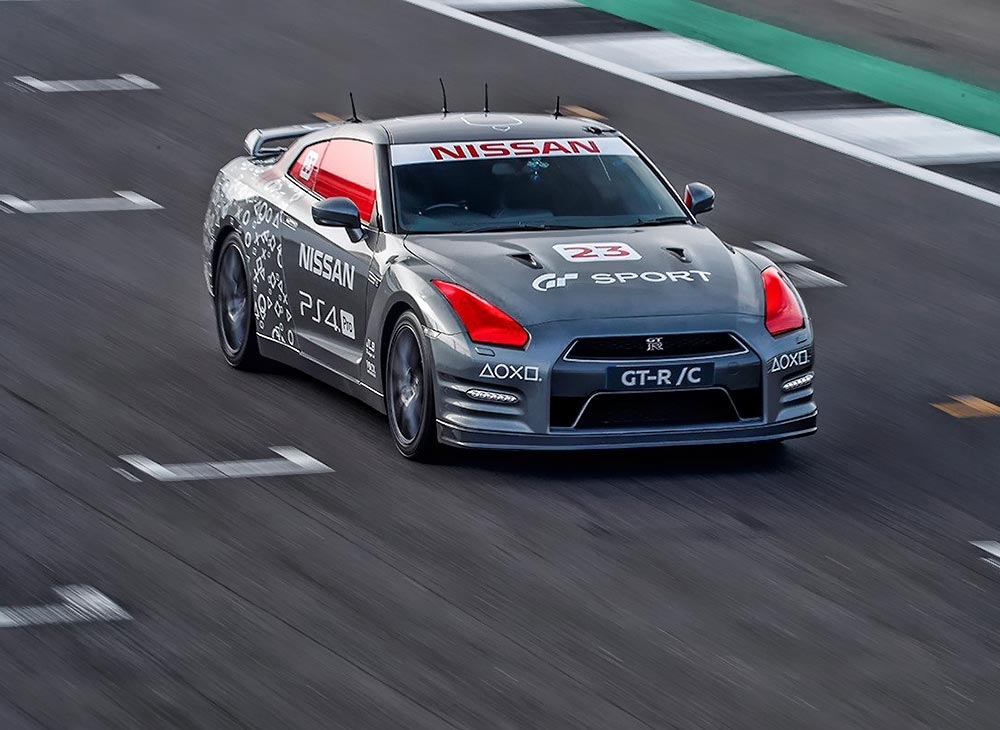 El Nissan GT-R Controlado Via PlayStation en Silverstone