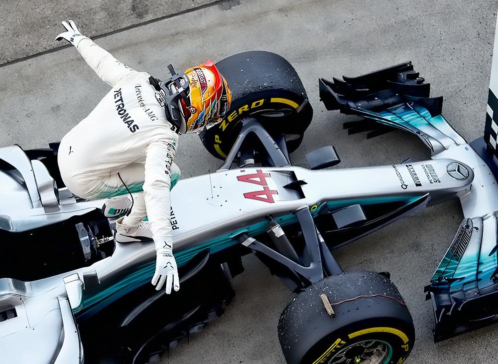 Hamilton Gana en Japón