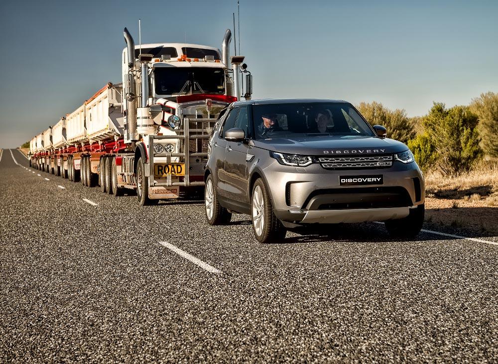 Land Rover Discovery Arrastra 110 Toneladas por 16 Km (VIDEO)