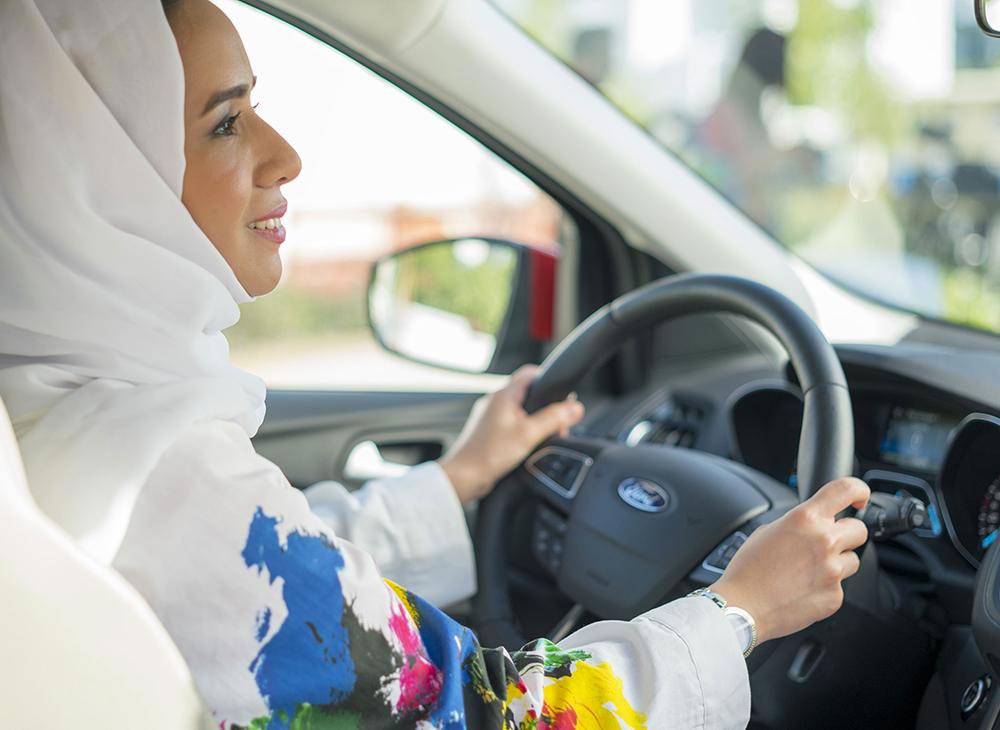 Para la Historia… Ford Hace Conductoras a Mujeres Saudíes