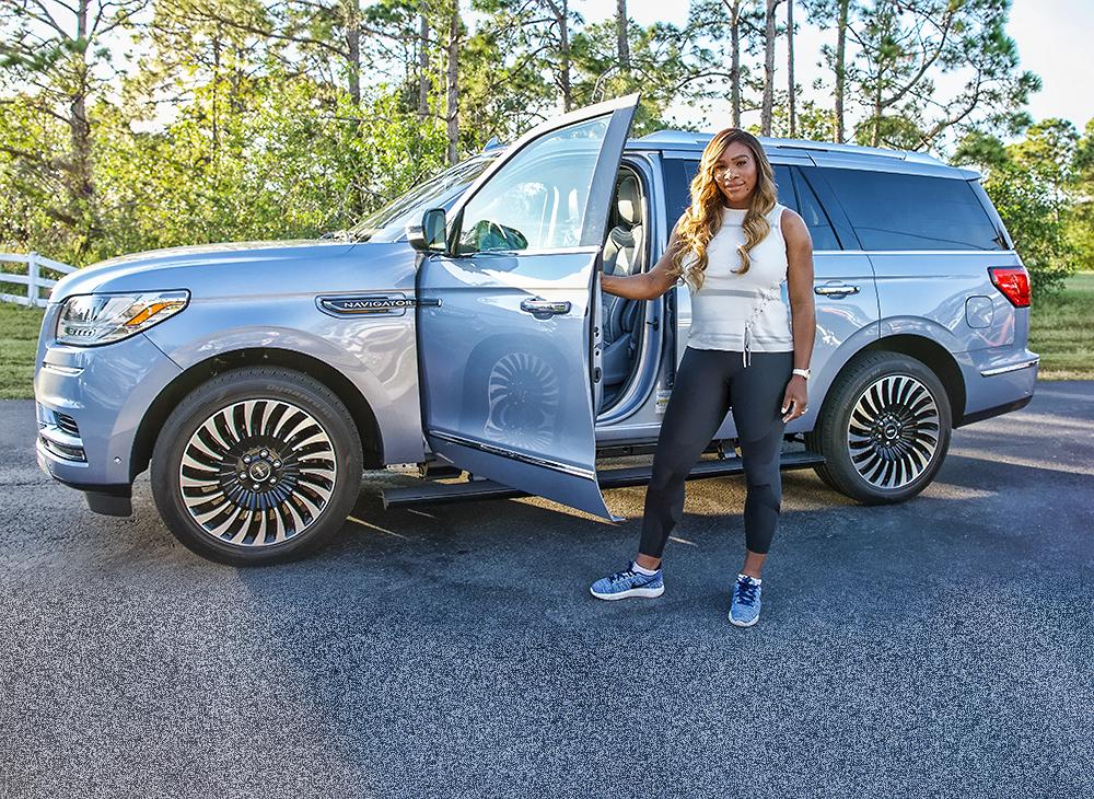 Poder y Capacidad de Serena Williams en su Lincoln Navigator