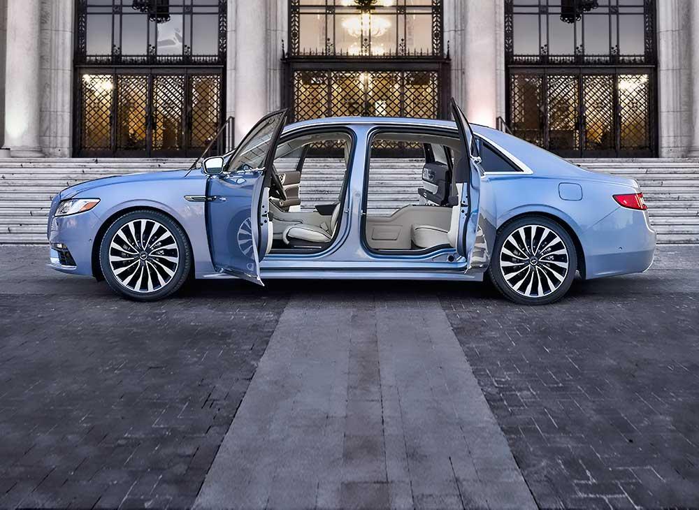 Lincoln Continental Abre sus Puertas de Par en Par Para Celebrar sus 80 Años